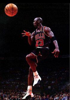 Michael Jordan 23 - Blind Pass