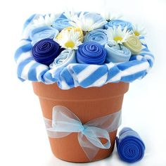 Could make one of these--would make a cute baby shower gift--blue for boy and pink for girl...