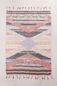 Shop Mezze Diamond Woven Rug at Urban Outfitters today. We carry all the latest styles, colours and brands for you to choose from right here. Diy Carpet, Wall Carpet, Carpet Ideas, Beige Carpet, Urban Outfitters, Jute Rug, Woven Rug, Classic Rugs, Curtain Patterns