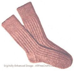 Men's Socks Knitting Pattern Free pattern to knit men's socks from fingering wool from the Lux Knitting Book. Knitted Socks Free Pattern, Loom Knitting Patterns, Crochet Socks, Knitted Slippers, Knitting Tutorials, Crochet Granny, Stitch Patterns, Knitting Videos, Crochet Patterns