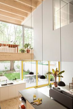 Renovierung des Clark House durch La Shed Architecture - architektur haus La Shed Architecture, Architecture Renovation, Cabinet D Architecture, Home Renovation, Home Remodeling, Old Row, Light Hardwood Floors, Innovation Design, Home Decor Accessories