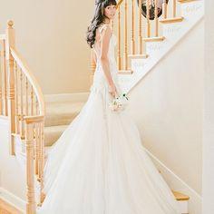 Our bride @SARAH_MASONBEATY looks radiant in this great picture! #GaliaLahav #Bride