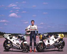 Freddie Spencer con las dos Honda de 1985.