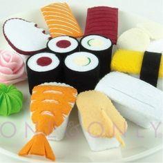 Ha. I would win Mother of the Year award if I managed to sew a whole sushi set...! FELT FOOD - Felt Sushi Set