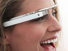 Conceito de design apresentado pelo Google para os óculos do futuro, com internet, realidade aumentada e geolocalização