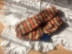 Socken aus bunten Resten