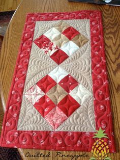 THE QUILTED PINEAPPLE: Nine Patch Table Runner - Quilted by Linda Hrcka