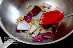 까르보나라떡볶이-한 번 손대면 멈출 수가 없는~~ 완전 맛있는 크림소스 떡볶이...^^ : 네이버 블로그 Beef, Food, Meat, Essen, Meals, Yemek, Eten, Steak