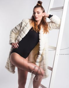 Coat Faux Fur Beatrix in Mink Cream Stripe. Vegan Fashion, Single Piece, Mink, Outfit, Mantel, Faux Fur, Cream, Dresses, Sporty