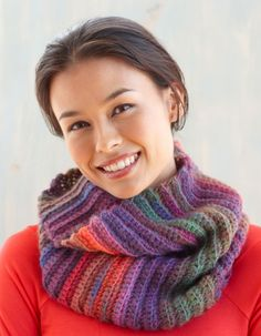Free Crochet Pattern: Tropic Sunset Cowl