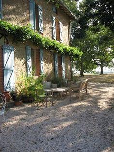 Provence: I like the pea gravel!