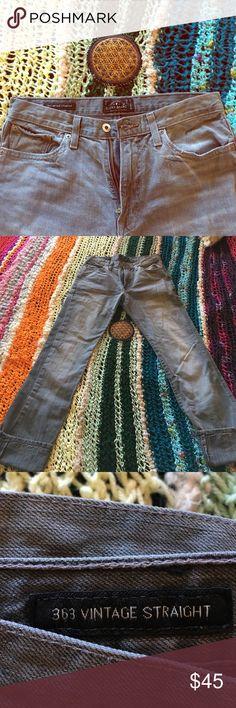 Women's Lucky Jeans 363 Vintage Straight W 29 L 34 Women's Lucky Jeans 363 Vintage Straight W 29 L 34. A classy medium gray wash. Light wear on bottom of pants, still in great shape. Accepting reasonable offers :) Lucky Brand Pants