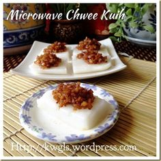 Another Singapore Malaysia Hawker Food–Chwee Kueh or Steamed Rice Cake With Preserved Radish - Guai Shu Shu Steamed Rice Cake, Rice Cakes, Asian Snacks, Asian Desserts, Chinese Desserts, Almond Jelly, Glutinous Rice, Almond Cookies, Baking Tins