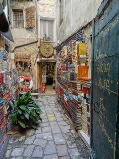 Acqua Alta Library, Venice, Italy | http://writersrelief.com