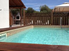http://www.subito.it/ville-singole-e-a-schiera/villa-con-giardino-e-piscina-a-porto-columbu-cagliari-114283434.htm