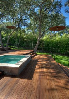 decking and patio on hill  austin - D-CRAIN Design and Construction