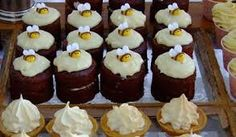 Bee-utiful cupcakes Inspirational Gifts, Mini Cupcakes, Bee, Meals, Desserts, Food, Petit Fours, Meal, Deserts