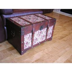 These Savannah chest boxes are all handcrafted and tailored to enhance the existing decor of any room in the home. These medium trunks are also trimmed in floral canvas and provide ample storage space.
