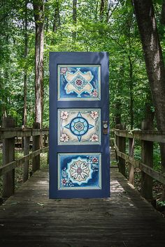 Diy wood headboard queen old doors 41 Ideas Painted Chairs, Hand Painted Furniture, Funky Furniture, Painted Doors, Diy Headboards, Wood Headboard, Twin Headboard, Old Doors, Front Doors
