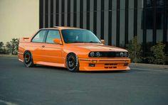 BMW E30 M3 orange slammed