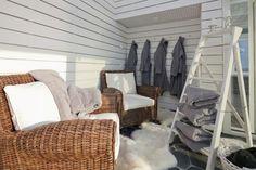 Villa White - Saunarakennuksen pukeutumistila   Asuntomessut