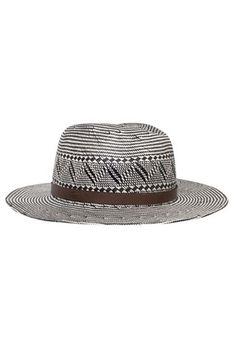 50 complementos por menos de 100 euros. Sombreros ... a071cda1545a