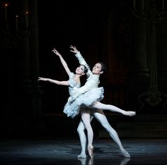Misa Kuranaga and Jeffrey Cirio in Ashton's Cinderella  ©Gene Schiavone