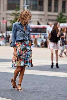 Amazing 48 Style Look Spring Work with Skirt and Floral Top https://clothme.net/2018/04/01/48-style-look-spring-work-with-skirt-and-floral-top/