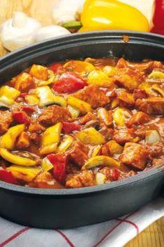 MAGGI recipe idea for shish kebab pot Dutch Recipes, Greek Recipes, Pork Recipes, Italian Recipes, Shish Kebab, Kebabs, Maggi Recipes, Unique Recipes, Ethnic Recipes