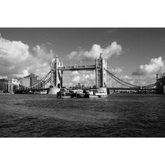 Londra - Tower Bridge - Fotografato con Canon450D - grandangolo
