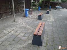 Betonbank DeLuxe Antraciet bij Nordwin College in Buitenpost