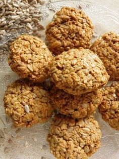 Ciastka owsiane ze słonecznikiem Healthy Sweets, Easy Healthy Recipes, Vegan Recipes, Cooking Recipes, Healthy Snaks, Sweet Little Things, Holiday Recipes, Cake Recipes, Food And Drink