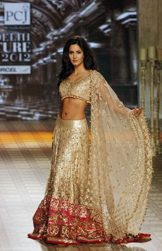 Bollywood actress Katrina Kaif Indian women are so beautiful Manish Malhotra Bridal, Bridal Lehenga, Gold Lehenga, Lehenga Choli, Manish Malhotra Lehenga, Net Lehenga, Mode Bollywood, Bollywood Fashion, Bollywood Dress