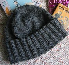 New-York-Hat - (see the matching free scarf pattern)