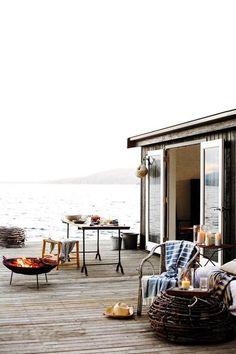 Talk about waterfront!