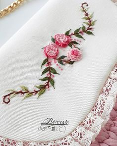 new brazilian embroidery patterns Brazilian Embroidery Stitches, Floral Embroidery Patterns, Hand Embroidery Flowers, Hand Embroidery Tutorial, Hand Work Embroidery, Embroidery On Clothes, Crochet Flower Patterns, Hand Embroidery Stitches, Silk Ribbon Embroidery