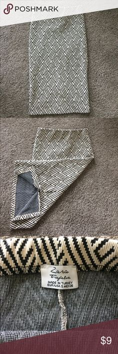 Black & White Patterned Skirt Pencil skirt..elastic waistband..25 inches long..6 inch slit in the back..size small zara trafaluc Skirts Pencil