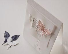 Karte in zarten Farben mit Schmetterling