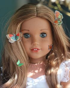lavender 🦋i repositioned her wig to be a middle part and i love it All American Girl Dolls, American Girl Doll Pictures, American Doll Clothes, America Girl, Our Generation Dolls, Doll Wigs, Ag Dolls, Doll Crafts, Custom Dolls