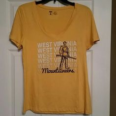 WVU short sleeve t-shirt Bought from Old Navy, never worn. Old Navy Tops Tees - Short Sleeve