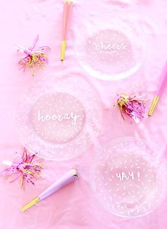 A Bubbly Life: DIY Painted Confetti Handwritten Plates                                                                                                                                                                                 More