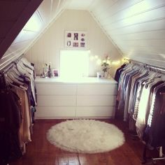First-rate Attic renovation,Attic bathroom and closet and Attic storage of liberty. Loft Closet, Master Closet, Closet Bedroom, Closet Space, Walk In Closet, Bedroom Girls, Bedroom Small, Trendy Bedroom, Bedroom Ideas