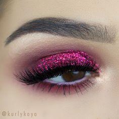 hot pink glitter eye makeup @kurlykaya | #fuchsia smokey no eyeliner