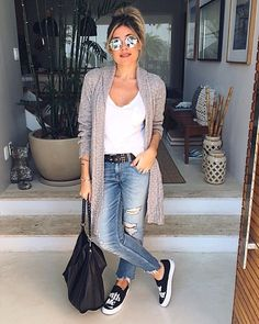 """901 curtidas, 19 comentários - Fernanda Pontelo (@fepontelo) no Instagram: """"Oi inverno!!!! 😎💋❄️ #bomdia #goodmorning #winter #love #ootd #mystyle #cool #fashion #outfit #work…"""" Casual Chic Outfits, Classy Casual, Casual Looks, Cute Outfits, Look Fashion, Fashion Outfits, Womens Fashion, Looks Jeans, Look Office"""