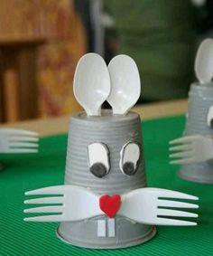 carterie, pergamano et tableaux – Web page 8 Spring Crafts For Kids, Summer Crafts, Diy Crafts For Kids, Easy Crafts, Paper Roll Crafts, Craft Stick Crafts, Preschool Crafts, Cup Crafts, Diy Décoration