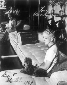 An inside look into the rarefied world of Old Hollywood's most famous interiors maven Dining Room Furniture Design, Rooms Furniture, Modern Furniture, Elsie De Wolfe, Photos With Dog, Pet Photos, Beverly Hills Houses, South Shore Decorating, Interior Design Advice