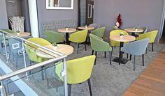 """Die Wohnzimmer-Atmosphäre hält Einzug in unsere #Cafés. Fast keine #Bäckerei- oder #Konditor-#Gastronomie kommt mehr ohne kuscheligen #Loungebereich aus. Selbst Filialen werden nicht mehr aus einem Guss eingerichtet, sondern nehmen historische und #regionale Bezüge auf, um dem #Gast das Gefühl zu geben """"Hier bist Du zu Hause"""". Produkt Details zum Sessel Gloria, die Sie interessieren könnten. http://www.schnieder.com/gastronomiemoebel/stuehle-sessel/stuehle-und-sessel/sessel-gloria-12517.html"""