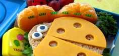 En nuestro nuevo post en www.entuszapatosblog.com te damos deliciosos y creativos consejos de como preparar la lonchera de tus hijos para la escuela ¿Cuáles son tus mejores ideas para enviarle una comida balanceada a tu hijo? http://entuszapatosblog.com/loncheras-saludables-y-creativas/