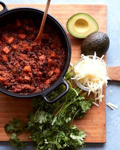 What's Gaby Cooking - Black Bean Sweet Potato Chili Potluck Recipes, Soup Recipes, Vegetarian Recipes, Cooking Recipes, Healthy Recipes, Cooking Chili, Vegetarian Chili, Quinoa Chili, Mexican Recipes