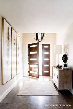 Walnut double doors with modern glass panels Glass House - Alice Lane Home Interior Design Elegant Home Decor, Elegant Homes, Modern Glass House, Glass House Design, Entry Way Design, Interior Barn Doors, Wood Doors, Modern Interior Design, French Doors